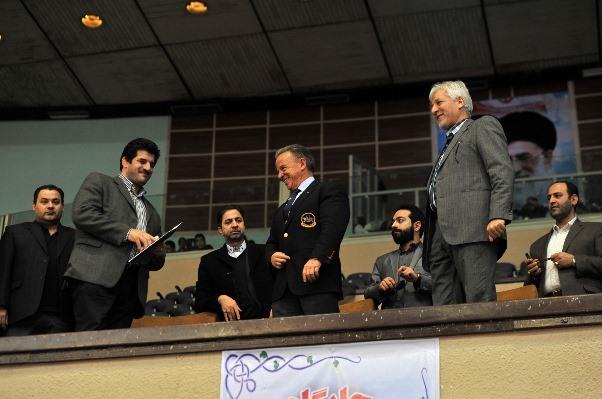 بازدید رافائل سانتوجا از سالن ۱۲ هزار نفری آزادی