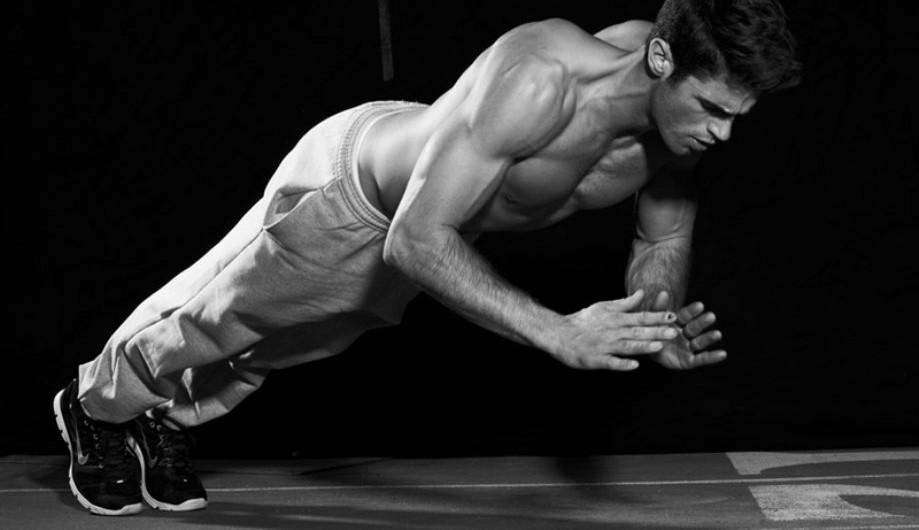 Fitness for Men 3 919x530 نکته های مهم برای مبتدیان بدنسازی و فیتنس