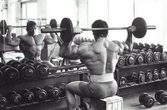 arnold-shoulder-pressing